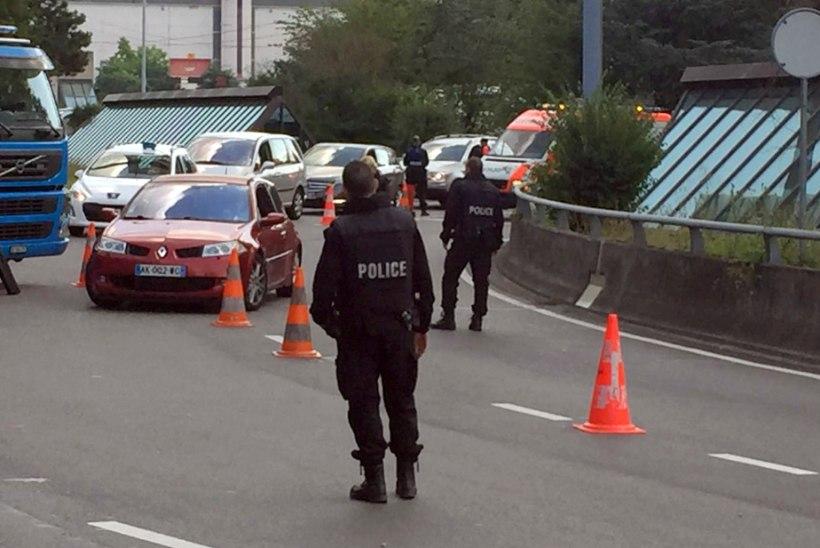 FOTOD   Genfi lennujaamas uuritakse võimalikku turvariski