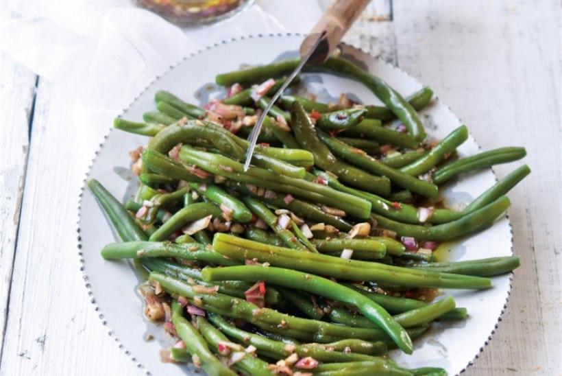Värsked aedoad sinepi-palsamiäädika marinaadis