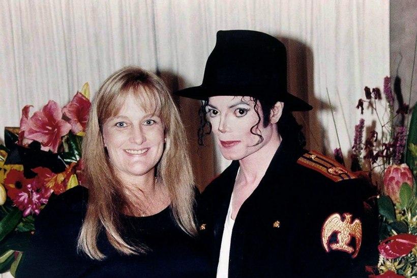Michael Jacksoni laste emal, Debbie Rowe'l diagnoositi rinnavähk