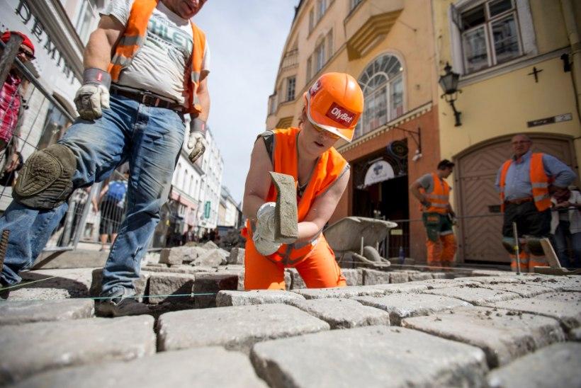 Kristel Aaslaid remontis teetöölisena Viru tänavat