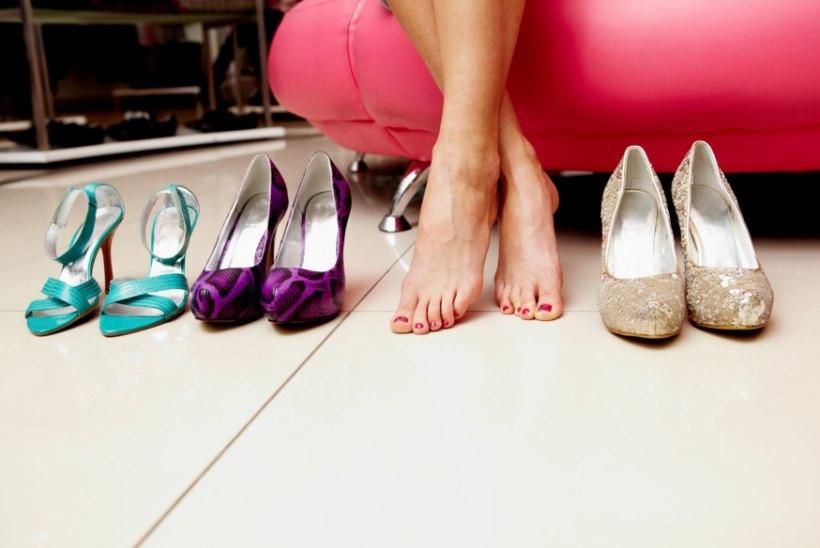 Kuidas kanda kõrgeid kontsi nii, et jalad ei valutaks?
