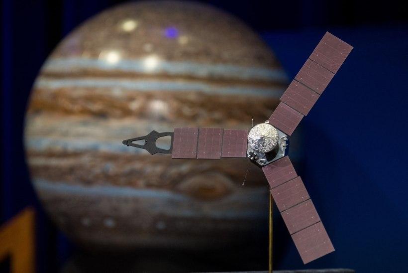 NASA kosmoselaev Juno tiirleb Jupiteri ümber – peagi piilub sond planeedi paksu pilvekihi alla