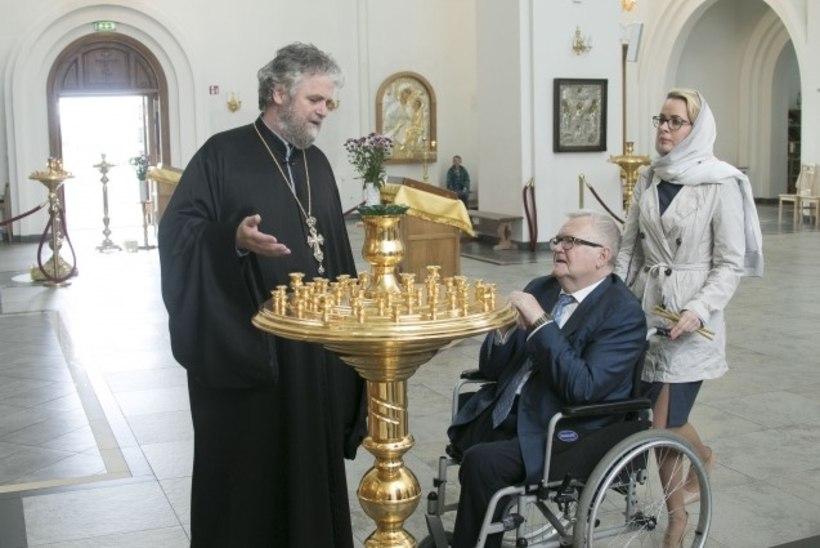 FOTOD | Lasnamäel kohtuotsus ei kehti – Edgar Savisaar külastas linnapeana õigeusu kirikut