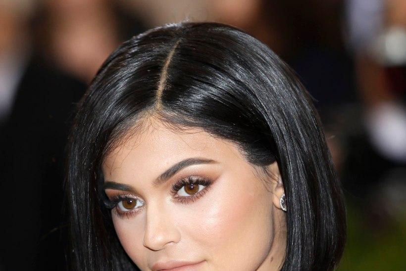 Kas Kylie Jenner on kihlatud?
