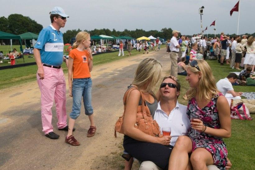 Asutuste suvepäevad: kas tõesti joob viimane end vallaliseks hiljemalt südaööks?