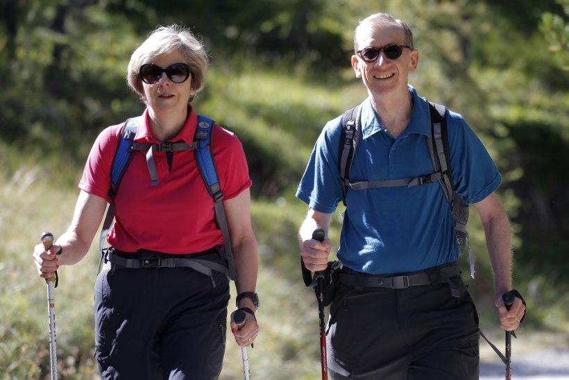 FOTOD | Nii naudivad suvepuhkust Angela Merkel ja Theresa May
