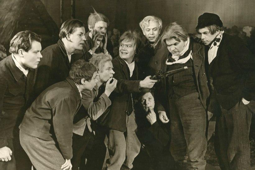 Näitlejad Jaanus Orgulas ja Kalju Karask tulid nii teatrisse kui ka lahkusid elust peaaegu korraga