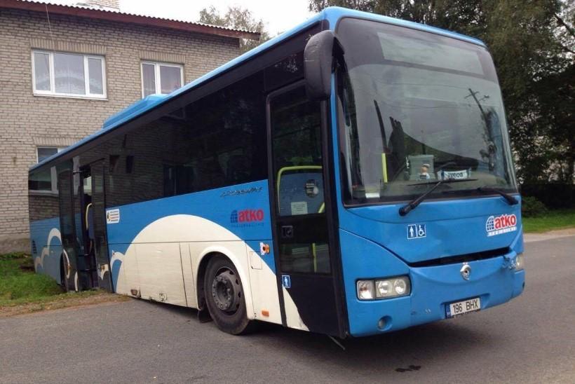 Ärandatud buss leiti kraavist