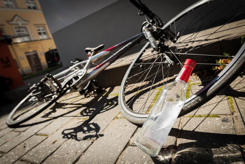 Joobes jalgratturit ootab rahatrahv