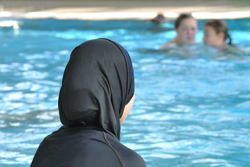 Prantsusmaa kuurordid keelustavad burkiinide kandmise