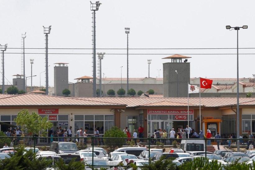 VANGLATES NAPIB RUUMI? Türgi laseb vabaks 38 000 vangi