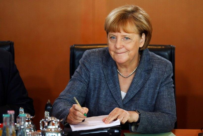 Merkelit vaevavad pärast puhkust põgenikud, Türgi ja Venemaa