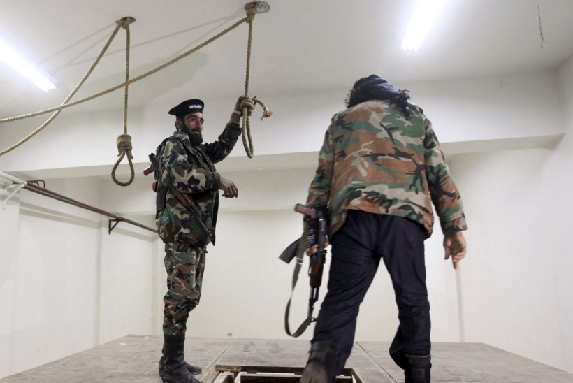 JUBE STATISTIKA: Süüria vanglates on nelja aastaga surnuks piinatud ja vägistatud ligi 18 000 inimest