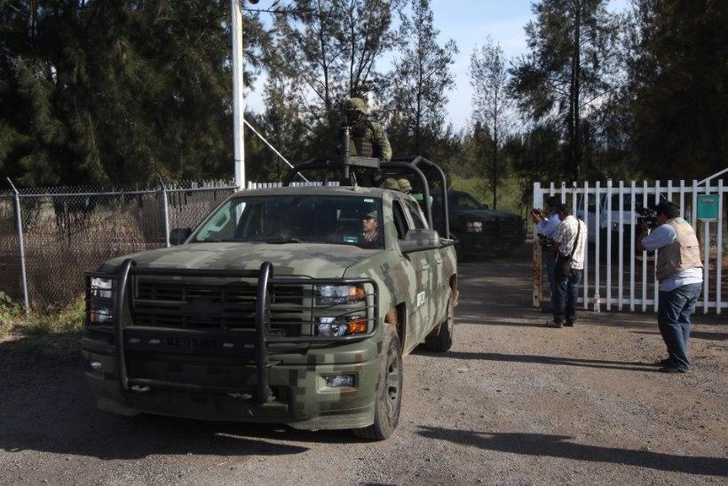 PIINAMINE, HUKKAMINE, VÕLTSIMINE: Mehhiko politsei ei vali uimastikartellidega võitluses vahendeid