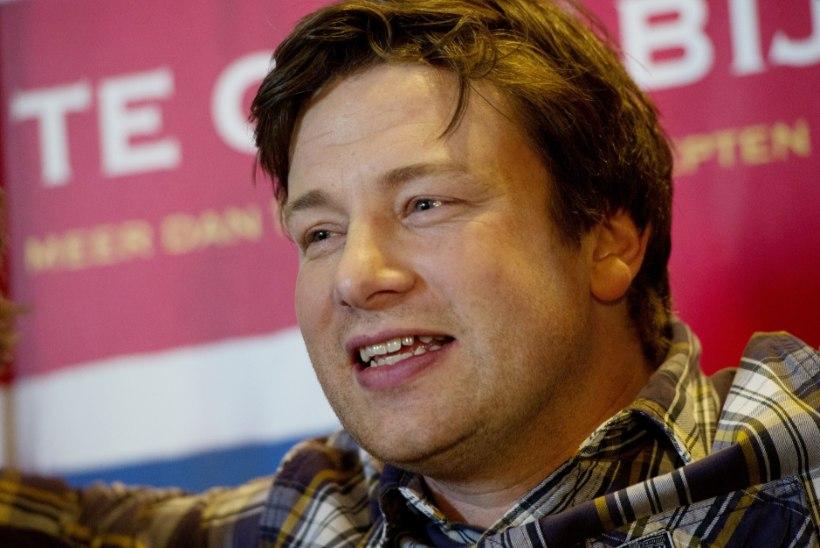Jamie Oliver tahab, et tema laip pitsaahju aetaks