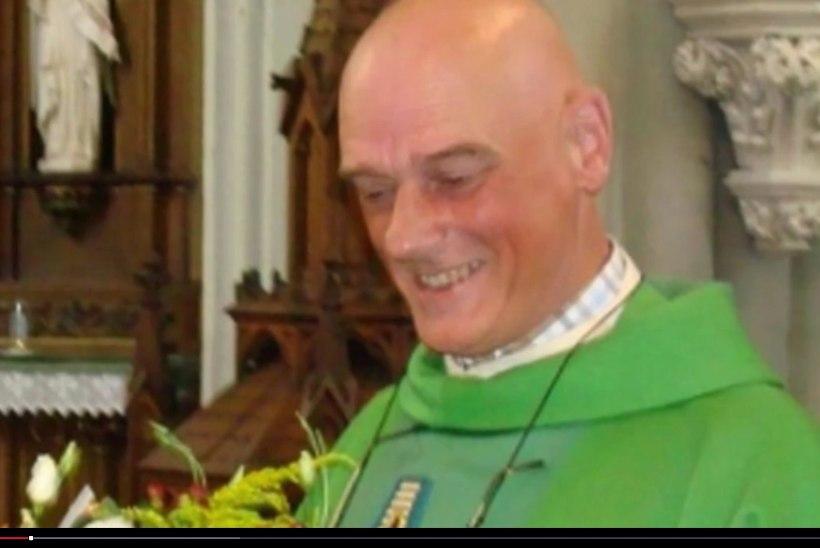 Belgia väikelinnas pussitas varjupaigataotleja teda aidanut preestrit