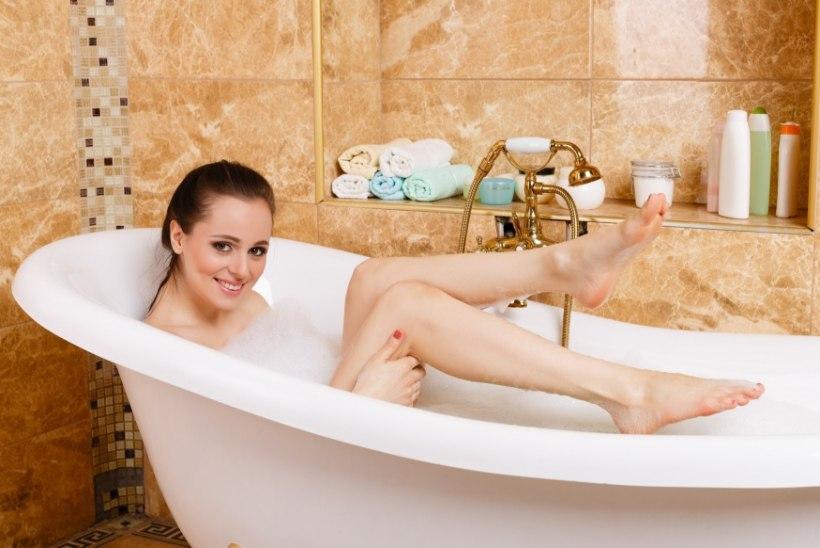 TEADLASED: Lisakilodest saab lahti ka vannis lõõgastudes