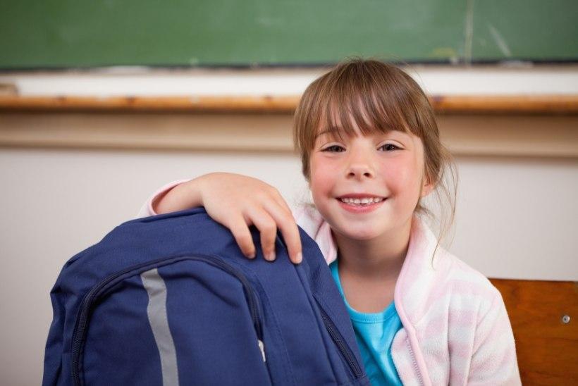 KOOLIAASTA KOPUTAB UKSELE: Kas tead, kui raske võib olla lapse koolikott ning mitu kontrolltööd tohib olla ühel päeval?