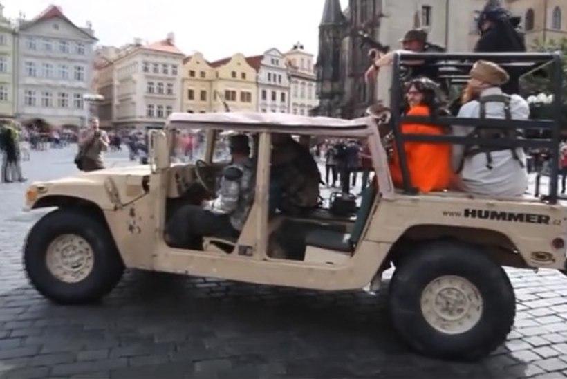 Võltsmoslemite etteaste, mis oli mõeldud protestiaktsiooniks, põhjustas Praha vanalinnas kohutava paanika