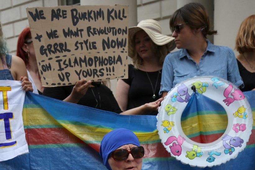 FOTOD | Burkiinikeelu vastu protestijad korraldasid rannapeo