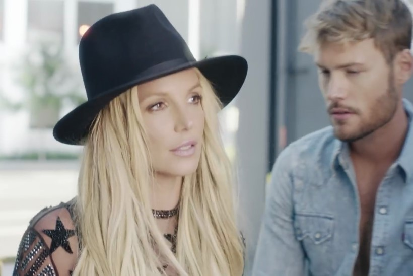 Britney Spears tahaks veel kolme last, ent mehed teda enam ei huvita
