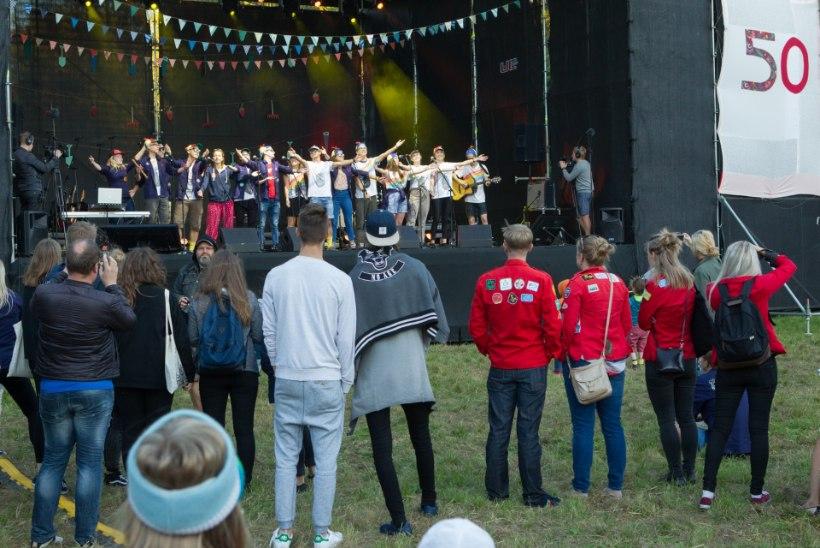 GALERII |  Kadriorus tähistati suure kontsert-kokkutulekuga õpilasmaleva juubelit