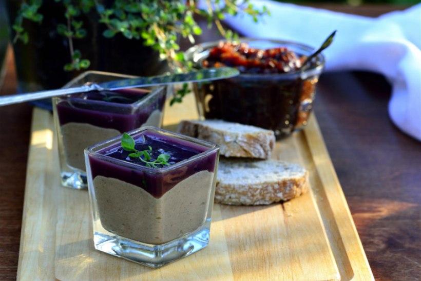 Kanamaksapasteet mustade ploomide ja veiniga