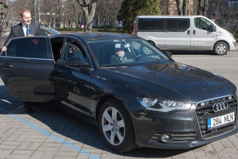 Maaeluminister Kruuse uus üle 50 000 euro maksev limusiin on võimsam kui eelmised ametiautod
