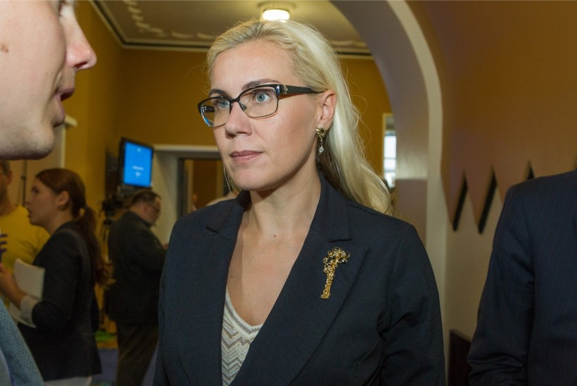 Kadri Simson: kui Kaljurand tahab välisministrina jätkata, tuleb presidendimõtetest loobuda