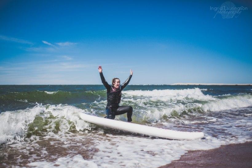 Multitalent Kristel Aaslaid näitab uues muusikavideos surfioskusi