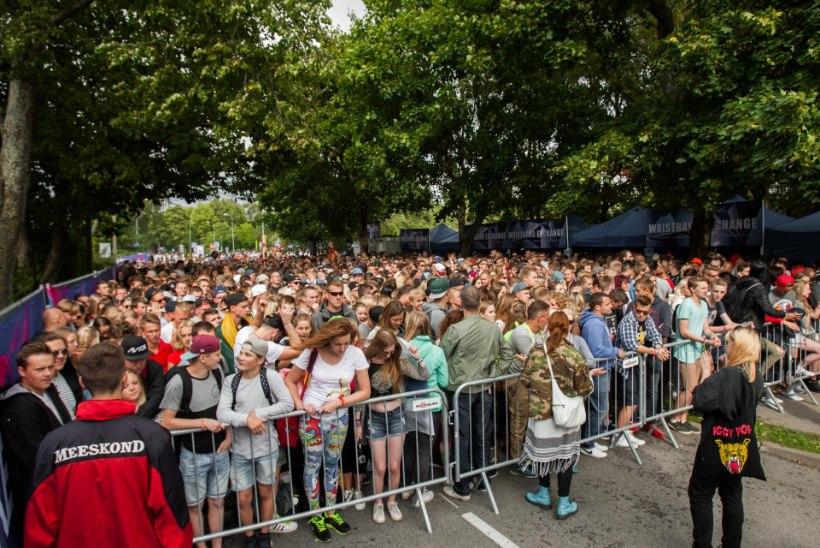 """ÜÜRATU JÄRJEKORD: """"Weekendi"""" festival algas viivitusega, mitu kontserti tühistati"""