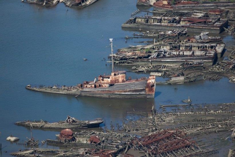 GALERII | New Yorgi külje all asub kummituslik laevade surnuaed