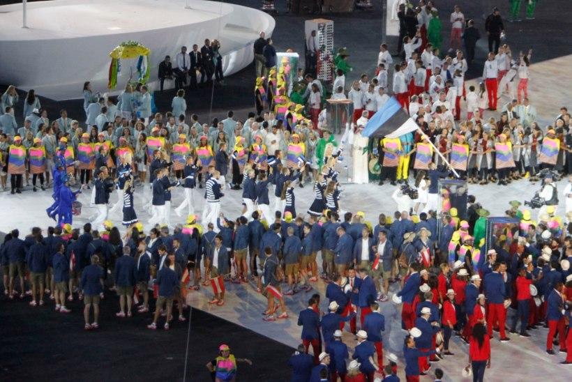 ÕL RIOS | Karl-Martin Rammo kasutas avatseremoonial Eesti lippu kandes kavalust