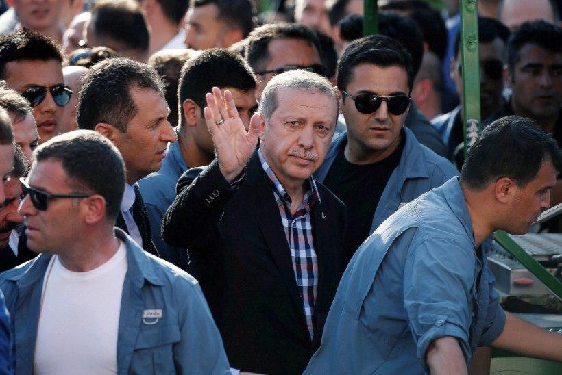 Türgi president pooldab surmanuhtlust