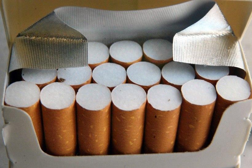 Suitsetajad pigis: uue kujundusega sigaretipakkidelt ei leia enam nikotiinisisalduse teavet
