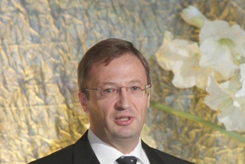 RANNAMÄED LEINAV MEELIS ATONEN PALJASTAB: Aarne Rannamäele pakuti kaitseministri kohta