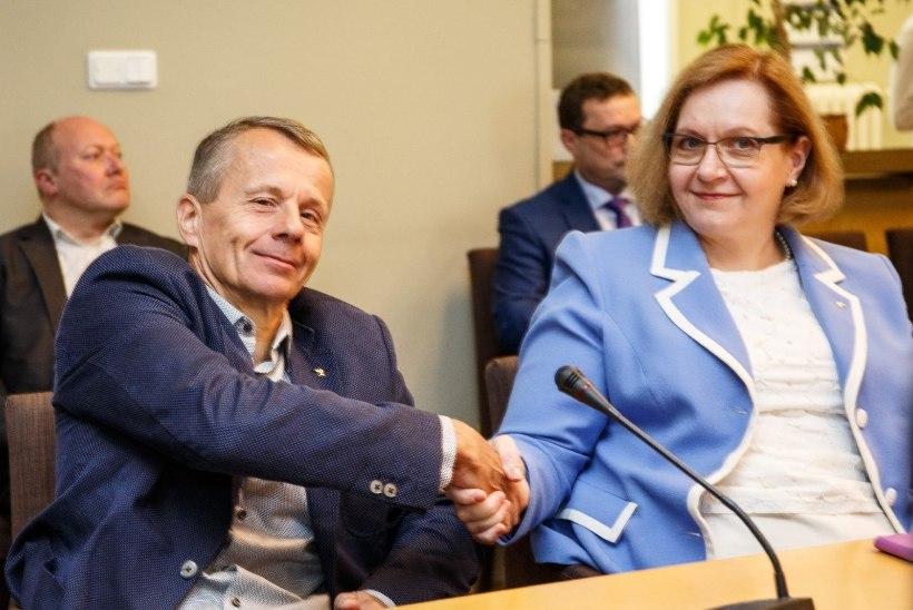 President Ilves nimetas Ligi ja Lauri ministriametisse