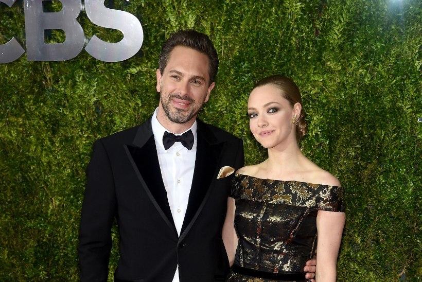 ARMASTUS VÕTTEPLATSIL: Amanda Seyfried kihlus filmipartneriga