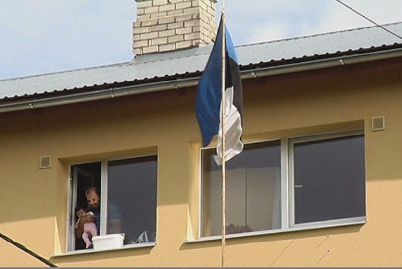 Vägevale paigutatud pagulaspere Eestisse tulekust: naise perekond tahtis meid tappa