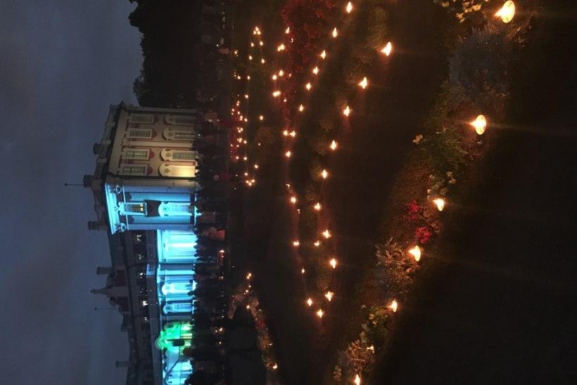 FOTOD   Vaata, kuidas tabasid Kadriorus kõndinud valgust festivalikülalised
