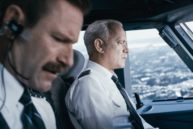 """ARVUSTUS: """"Sully"""" – Clint Eastwood jooksis selle kangelasfilmiga lati alt läbi"""