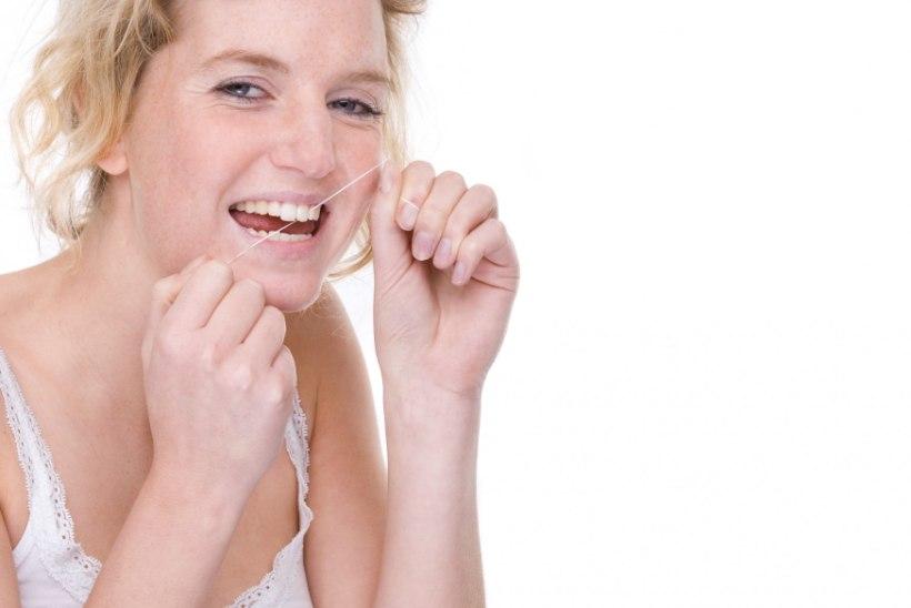 Pane tähele: särava naeratuse nimel tuleb regulaarselt ka hambavahesid puhastada