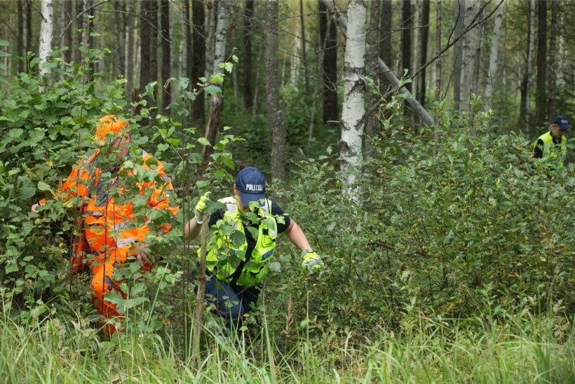 16 TUNDI METSAS: vabatahtlike otsingukoer leidis Läänemaal metsa eksinud eaka naise