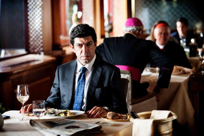 """ARVUSTUS: Maffiafilm """"Suburra"""" raputab naiivse vaataja maailmapilti"""