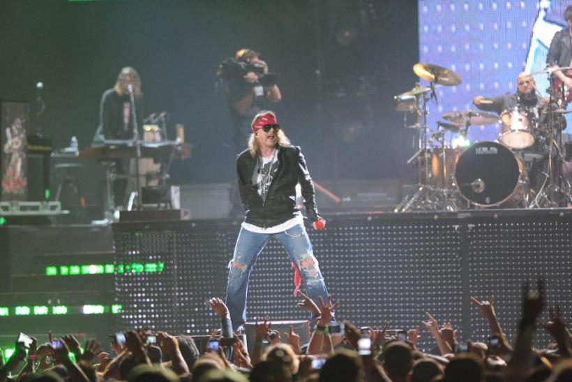 Guns N'Rosese klahvimees kaebas Axl Rose'i kohtusse