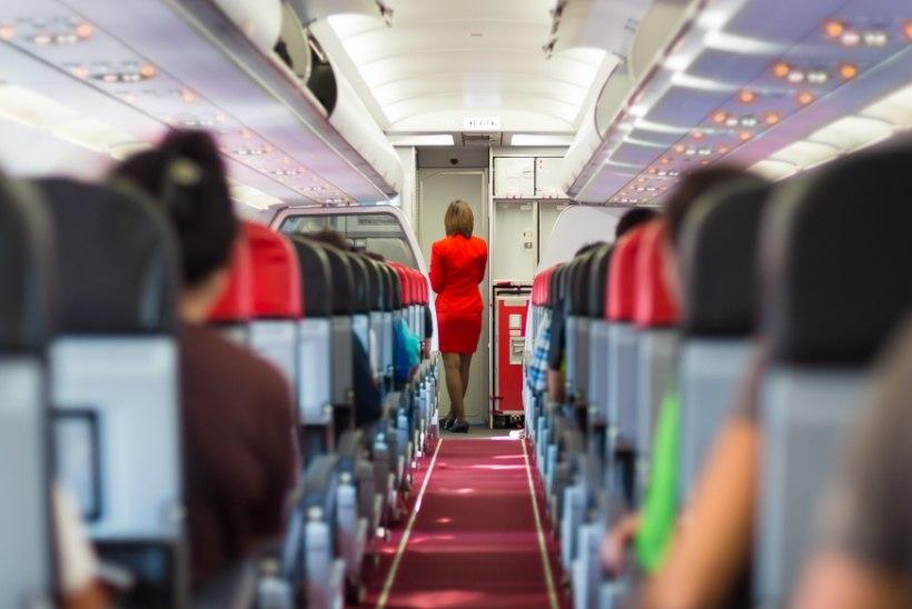 Vihane mees nõuab lennufirmalt kompensatsiooni: pidin istuma pikal lennul paksu mehe kõrval!