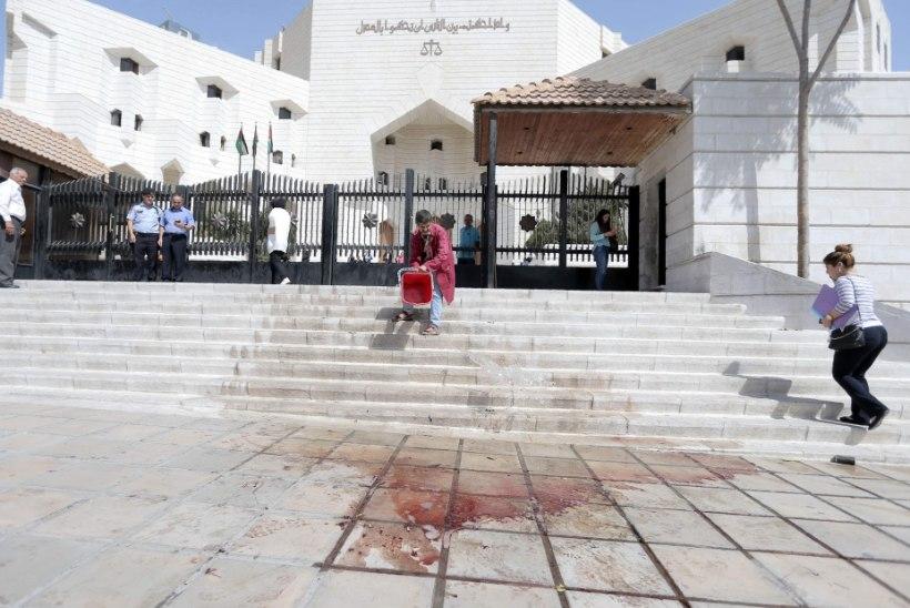 Jordaanias lasi imaam maha kirjaniku, kes oli Facebookis jaganud islamit teotavat karikatuuri