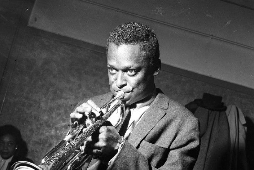 Trompetijumal Miles Davis põletas elu nii heroiini kui ka prostituutidega