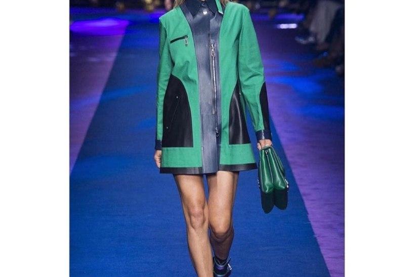 PILTUUDIS | Uue soenguga Carmen Kass esitles Versace'i värsket kevad-suvist moodi