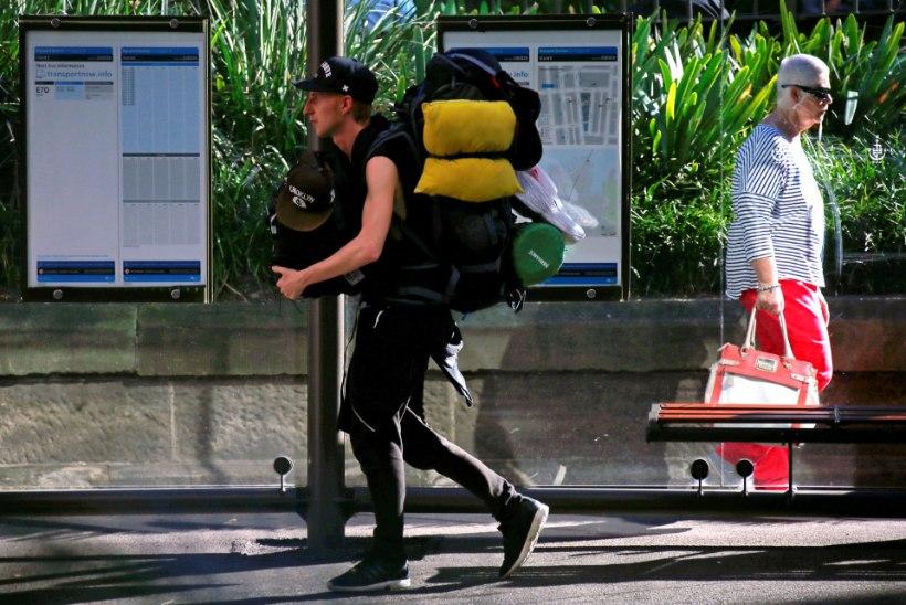 Austraalia valitsus pani seljakotireisijate maksustamise plaani kalevi alla